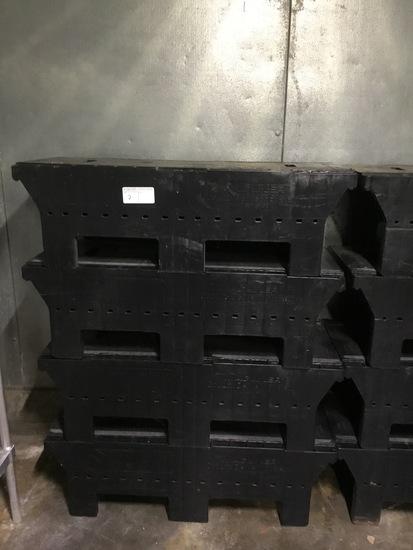 4 4' dunnage racks