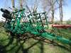 "JD 980 Field Cultivator, 25' 6"", 3 bar leveler, 4 sets walk-over wheels, SN"