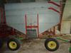 Heider gravity wagon with JD 1065 gear