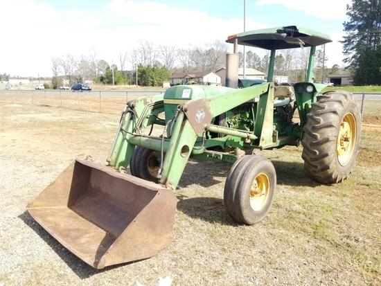 John Deere 2640 Tractor w/ 146 Loader