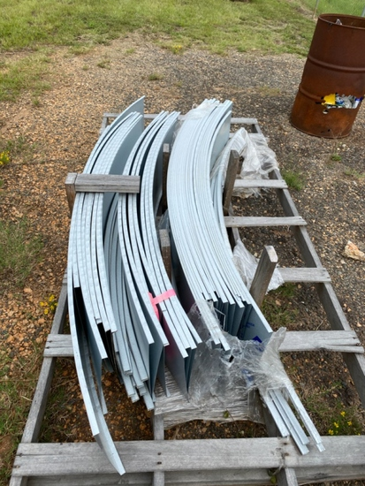 40 pc 6' curved 26 gauge T metal roofing