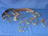 2 stirrups / 6 spurs and Bell