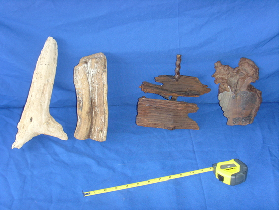 4 pieces wood display items
