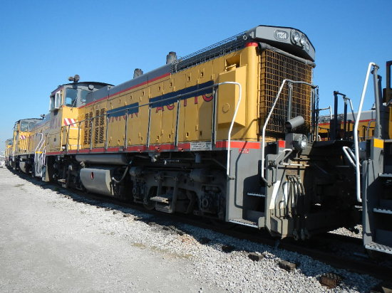 1975 EMD MP15 LOCOMOTIVE  (LOCATED AT THE MEI FACILITY IN EAST SAINT LOUIS,