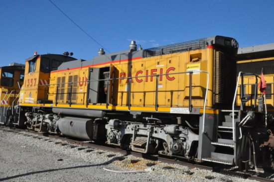 1982 EMD MP15 LOCOMOTIVE  (LOCATED AT THE MEI FACILITY IN EAST SAINT LOUIS,