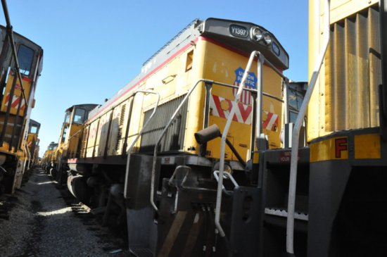 1976 EMD MP15 LOCOMOTIVE  (LOCATED AT THE MEI FACILITY IN EAST SAINT LOUIS,
