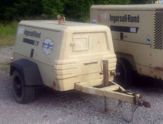 2006 Ingersoll Rand 250 Air Compressor