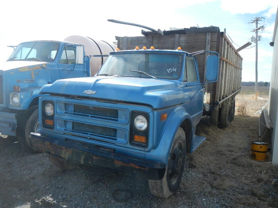 CHEVROLET C50 STRAIGHT GRAIN TRUCK,  V8 GAS, 4+2 SPEED, SINGLE AXLE WITH TA