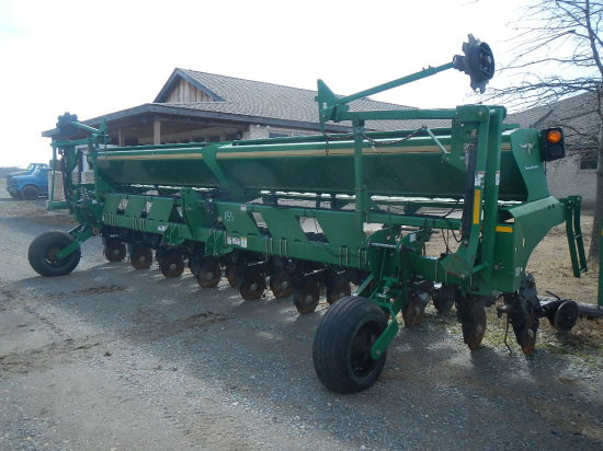 GREAT PLAINS 2525A PLANTER,  3 PONT, TWIN ROW S# 1211SS