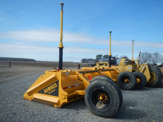 NAMMCO LSF20 FINISH SCRAPER,  USED 2 CROPS, EQUIPPED WITH TRIMBLE MM 2E-T L