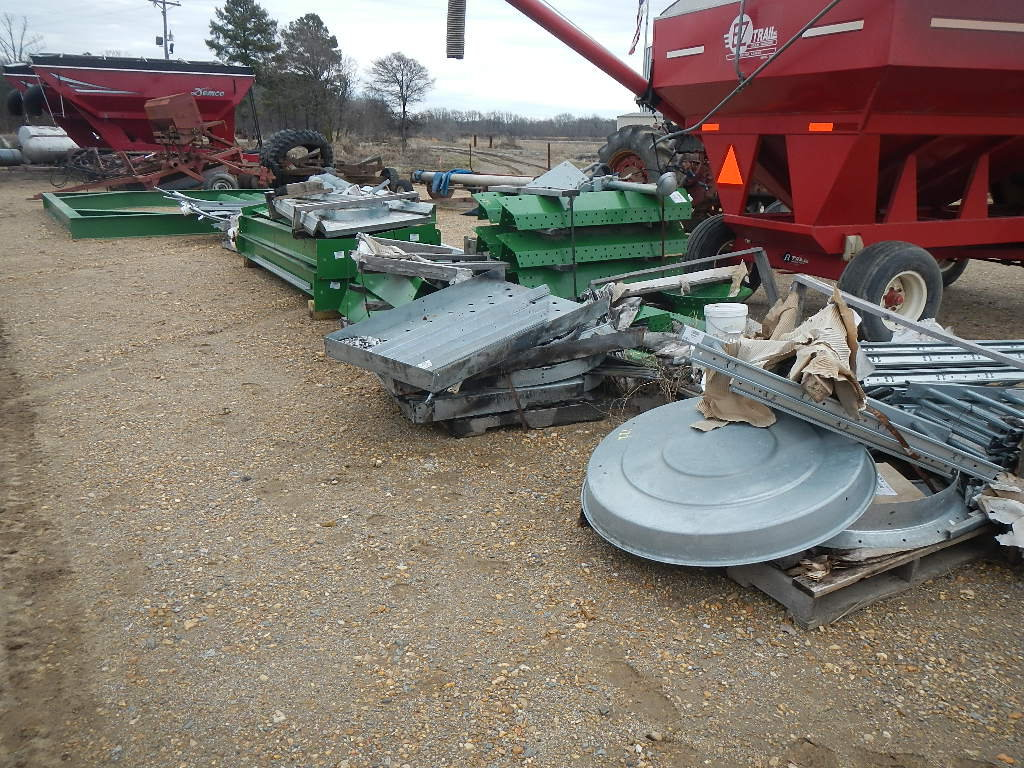 SCOTT 6000 BUSHEL OVERHEAD LOADING TANK,  NEW, COMPLETE WITH FRAME, LEGS, P