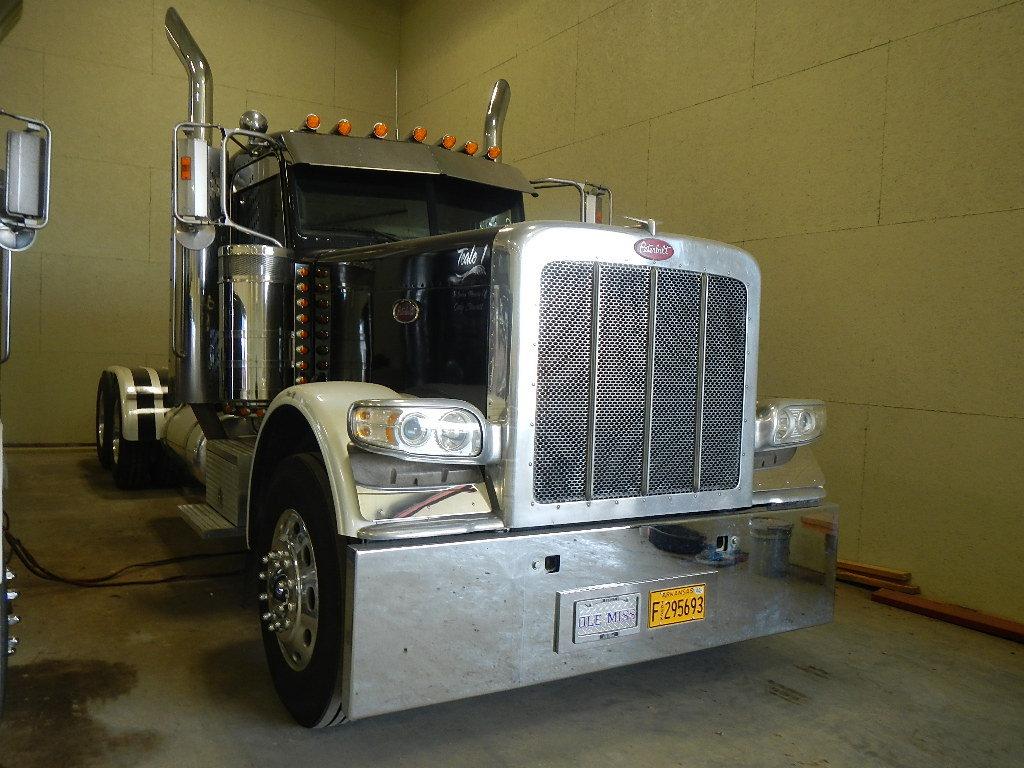 2008 PETERBILT 389 TRUCK TRACTOR, 289K+ MILES  DAY CAB, CAT C15  550 HP, 18