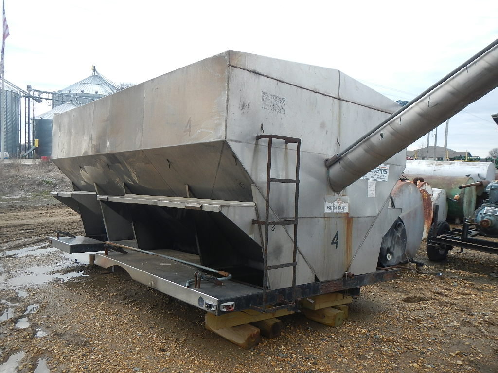 ADAMS STAINLESS STEEL SEED BED  WITH ROLLOVER TARP