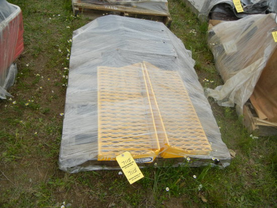PALLET WITH EQUIPMENT STEPS