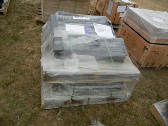 PALLET WITH MANIFOLD BRACKETS
