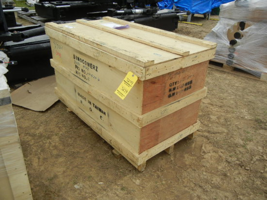 CRATE WITH HYDRAULIC CYLINDERS, BEARING RACES, JOYSTICK DUAL AXIS BASE PAD,