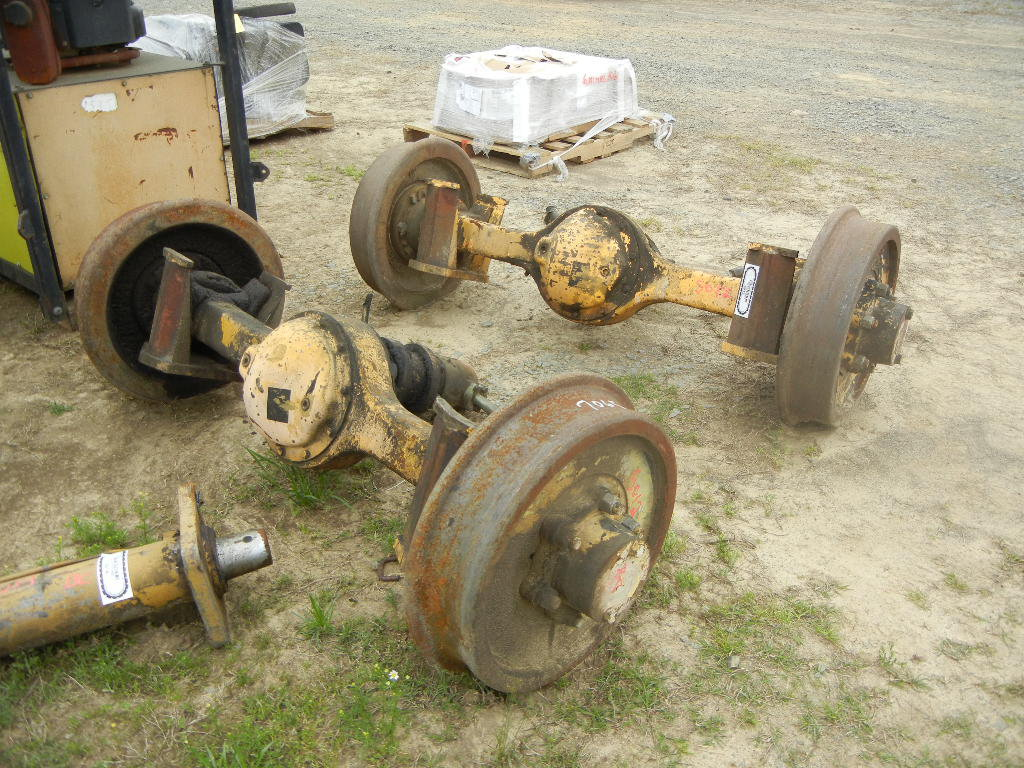 (2) RAIL AXLES WITH HYDRAULIC DRIVES