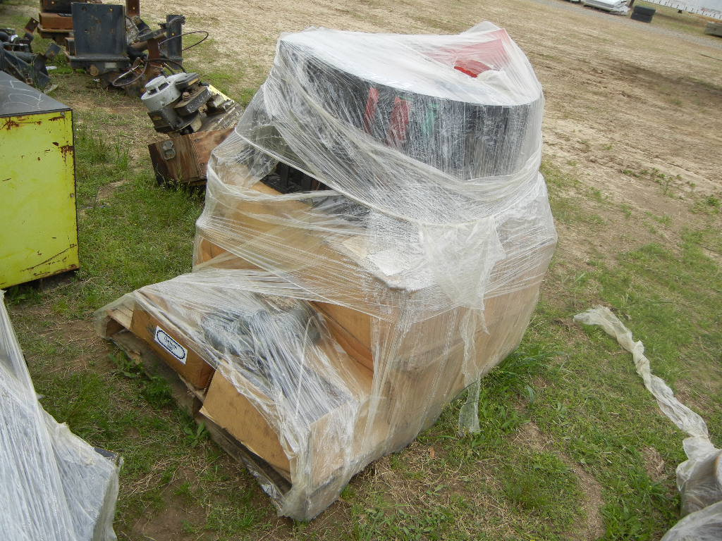 PALLET OF HYDRAULIC HOSE TRACKS