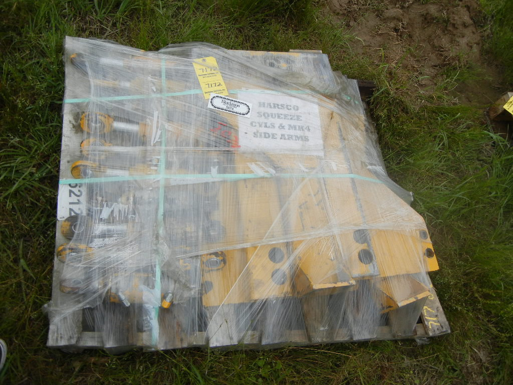 PALLET WITH HARSCO SQUEEZE CYLINDERS & MARK IV SIDE ARMS