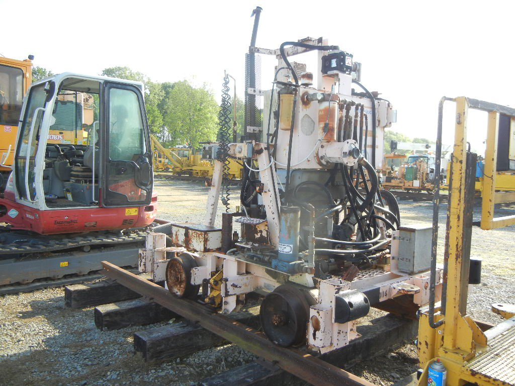 NORDCO RAIL LIFTER,  AUTO LIFT, HATZ DIESEL LOAD OUT FEE: $150.00 S# 511