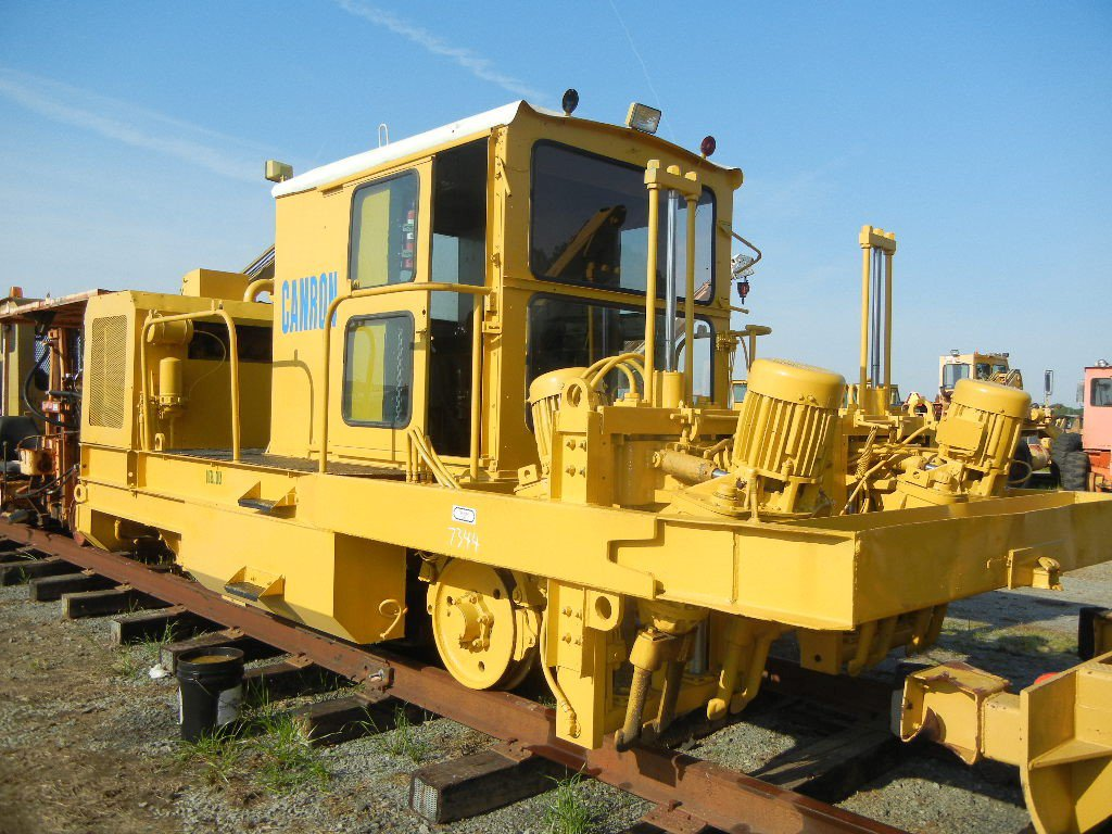 CANRON PUP TAMPER, 3,174+ HRS,  DETROIT DIESEL, CAB LOAD OUT FEE: $150.00 S