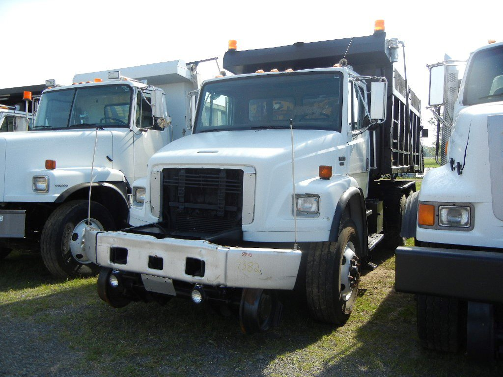 2003 FREIGHTLINER ROTARY DUMP TRUCK,  AT, PS, AC, HYRAIL, 14' BED