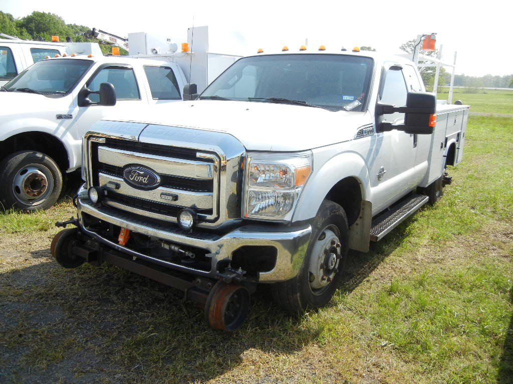 2011 FORD F-350 SERVICE TRUCK, 180,000+ mi,  EXTENDED CAB, 4 X 4, V8 POWERS