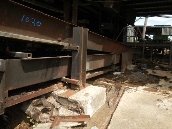 WASTE CONVEYOR, ELECTRIC MOTOR AND GEARBOX