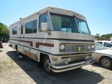 1976 WINNEBAGO MOTOR HOME,  FORD V8 GAS, AUTOMATIC, WITH ONAN 6500 GENERATO