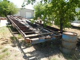 FRUEHAUF FLATBED TRAILER,  40', SPRING RIDE, 10.00-20 TIRES ON DAYTONS, (NO