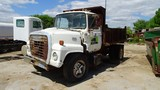 1984 INTERNATIONAL S1754 DISTRIBUTOR TRUCK,  IH DIESEL, 5 + 2 SPEED, SINGLE