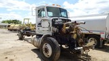 1987 PETERBILT 379 TRUCK TRACTOR,  CATERPILLAR 3208-PARTS, NO TRANSMISSION