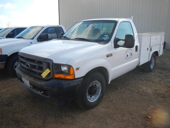 2000 FORD F250 XL MECHANICS TRUCK, 200K + MILES  GAS, AUTOMATIC, AC, KNAPHE