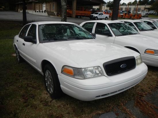 2011 FORD CROWN VICTORIA CAR, 101,720+ mi,  4-DOOR, V8, AUTOMATIC, PS, AC S