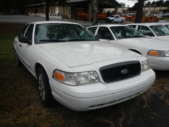2009 FORD CROWN VICTORIA CAR, 91,663+ mi,  4-DOOR, V8, AUTOMATIC, PS, AC S#