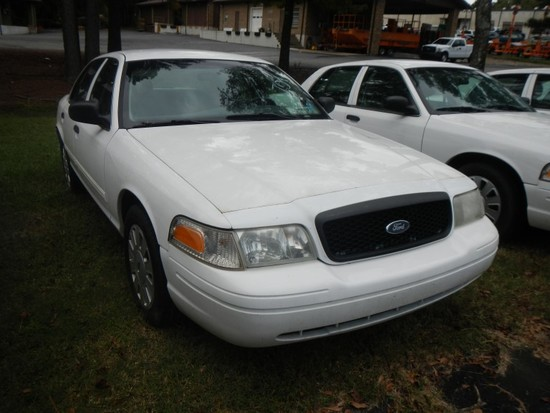 2011 FORD CROWN VICTORIA CAR, 98,060+ mi,  4-DOOR, V8, AUTOMATIC, PS, AC S#