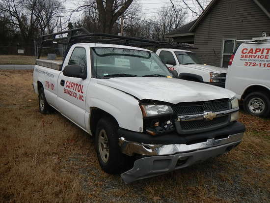 2004 CHEVROLET SILVERADO PICKUP TRUCK,  (BODY DAMAGE-WRECKED), V8 GAS, AT,