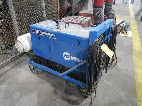 MILLER TRAILBLAZER 302 PORTABLE WELDER/GENERATOR,  KOHLER LP GAS ENGINE, 11