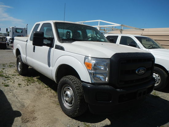 2015 FORD F250 PICKUP 156492  EXTENDED CAB, 4X4, V8 GAS, AUTOMATIC,PS, AC C