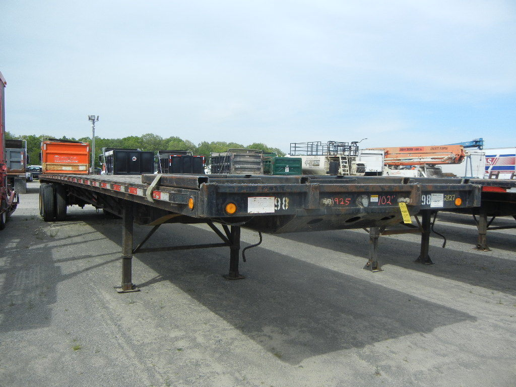 2004 CLARK FLATBED TRAILER,  SLIDING TANDEM AXLE, SPRING SUSPENSION, 24.5 T