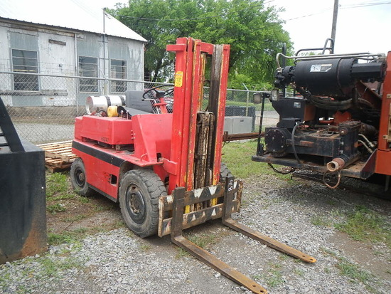 OTIS F-F050 FORKLIFT, 3474 HRS  LP GAS ENGINE, 3-STAGE MAST, (NO ROPS) S# 1