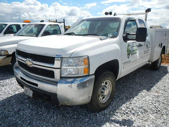 2007 CHEVROLET 2500 SERVICE TRUCK, 360K+ MILES  EXTENDED CAB, V8 GAS, AUTO,