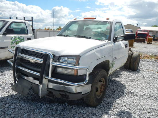 2003 CHEVROLET 3500 CAB & CHASSIS,  4X4, DIESEL ENGINE, AT, PS, AC S# 75224