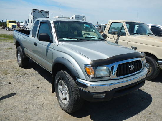 2004 TOYOTA TACOMA PICKUP TRUCK,  EXTENDED CAB, 6 CYLINDER GAS, AUTOMATIC,