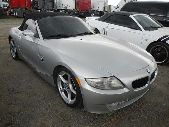2006 BMW V4 CONVERTIBLE CAR, 80,000 MILES  V6 GAS, AT, PS, AC, CRUISE S# 01