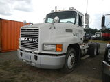 1997 MACK TRUCK TRACTOR,  DAY CAB, MACK E7-350 DIESEL, 8 SPEED, TWIN SCREW,