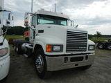 2011 MACK CHU613 TRUCK TRACTOR, 380,469 mi,  MACK455 DIESEL, 13 SPEED, TWIN