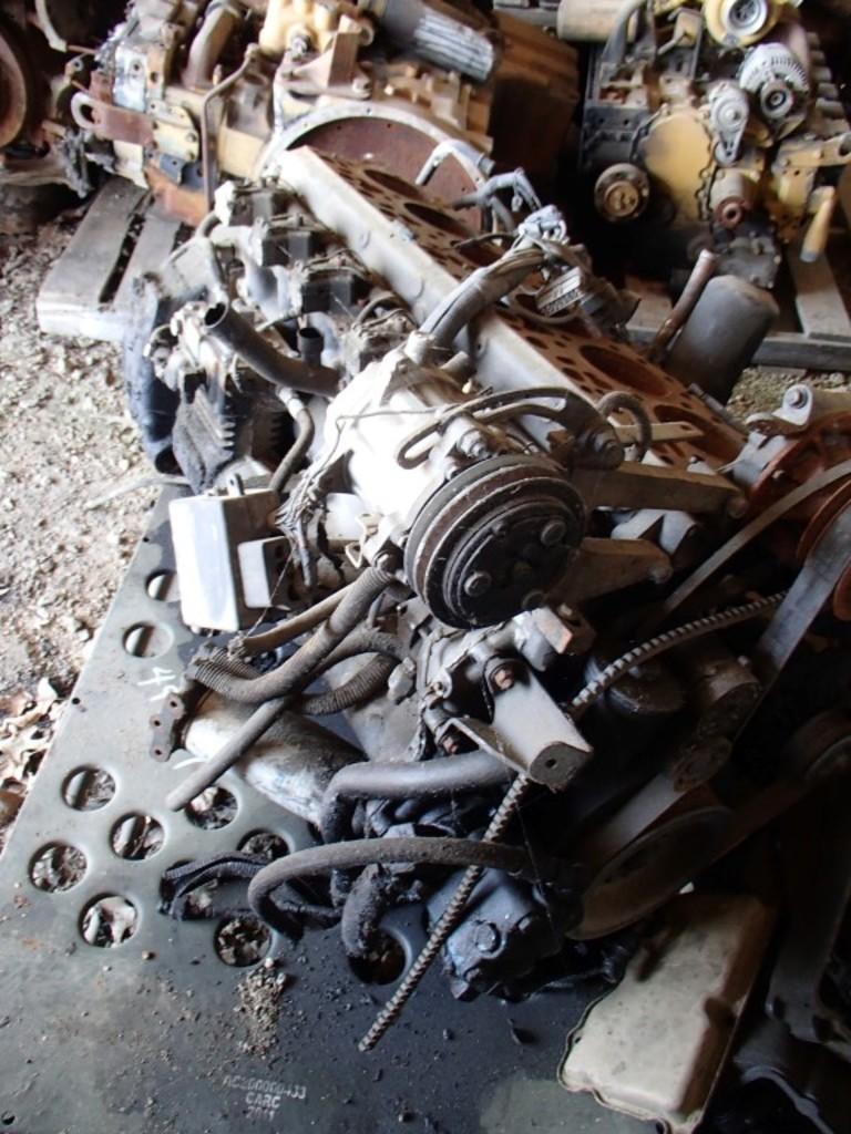 MACK 300-HP DIESEL ENGINE CORE