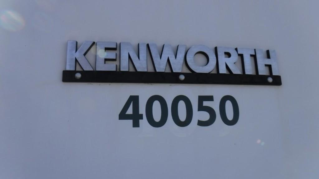 2005 Kenworth C500B Winch Truck, 935,502 KILO/24,610 HRS/MI  Canada Certifi