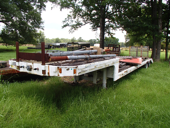 DORSEY LOWBOY TRAILER,  TANDEM AXLE, DUALS, DOVETAIL, NO RAMPS